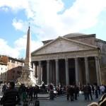 街中に突然現れる古代ローマの神殿、パンテオン!