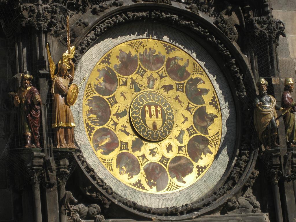画像16 天文時計2
