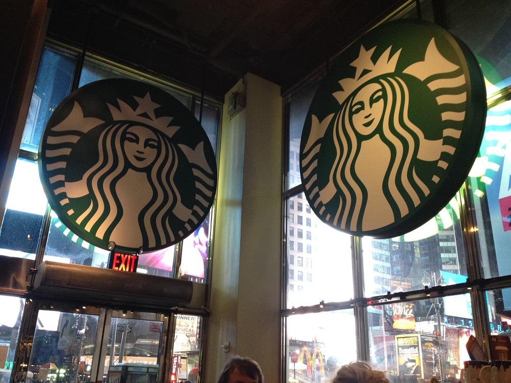 画像4 タイムズ・スクエアのスタバ