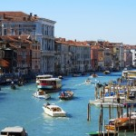 運河と水路の美しい街、ベネチアの観光スポット