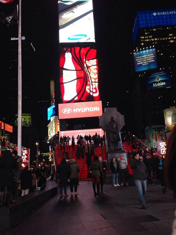 画像3 タイムズ・スクエア赤階段