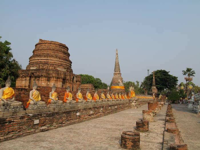 画像8 ワット・ヤイ・チャイ・モンコンの仏像たち